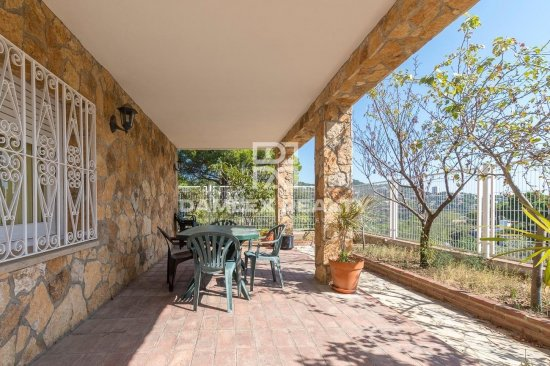House in a residential area of Cala Canyelles