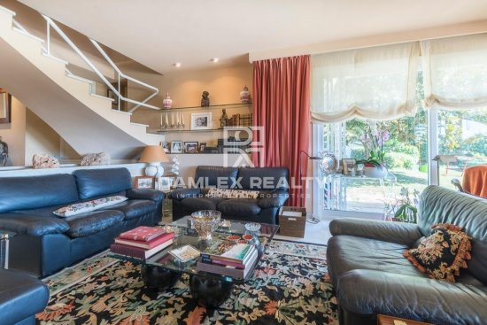 Cozy villa with nice garden 20 minutes from Barcelona.