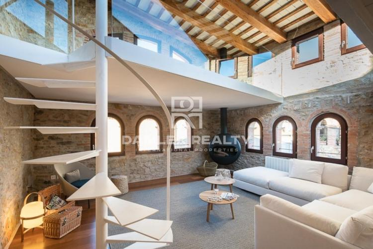 A unique house for sale in Palau-sator, (Baix Empordà, Girona),is totally refurbished and equipped