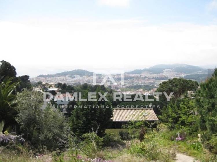 Promising plot in Lloret de Mar