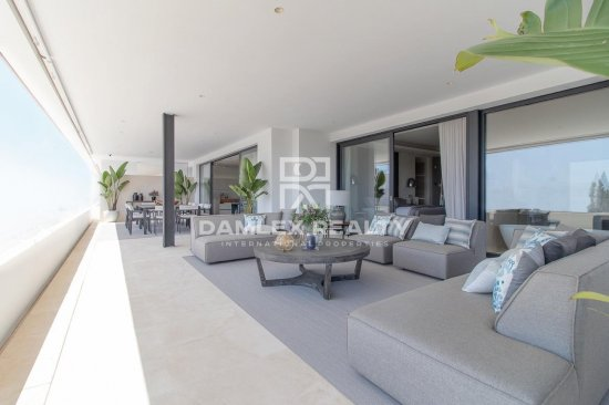 Magnificent apartments in a new exclusive complex on the Golden Mile, Marbella