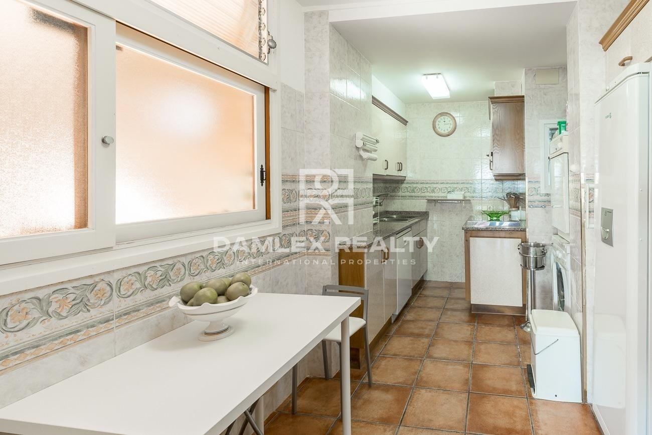 Apartments in Tossa de Mar - Cala Giverola, with panoramic views of the bay.