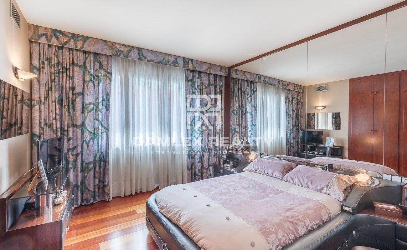 Penthouse in a prestigious neighborhood of Barcelona.