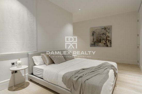Beautiful penthouse with design reform in the center of Barcelona.