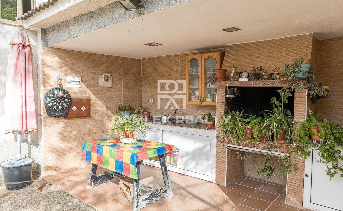 House in urbanization near the center of Lloret de Mar