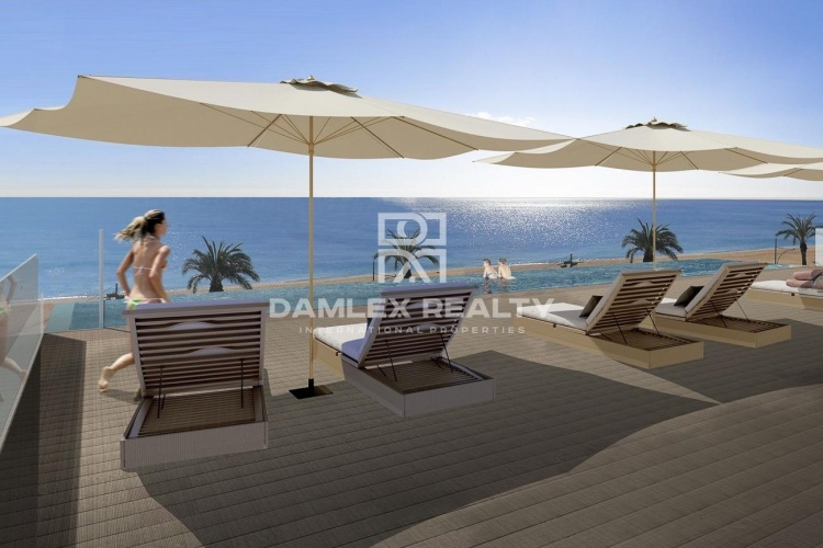 Apartments on the beachfront in Lloret de Mar - Costa Brava
