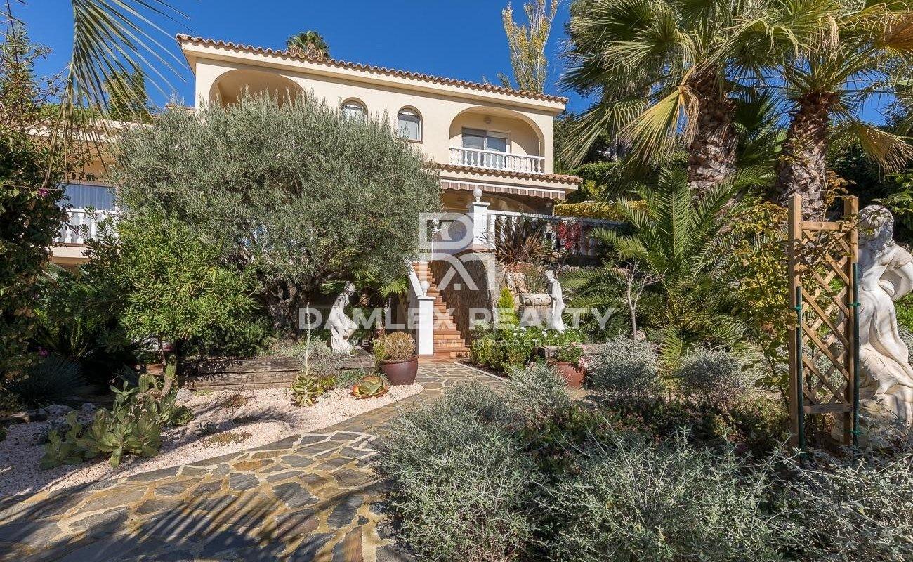 Elegant villa within walking distance of the beach of Cala Sant Francesc - Blanes