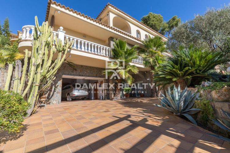 Elegant villa within walking distance of the beach of Cala Sant Francesc - Blanes