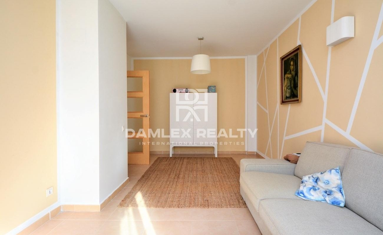 Beautiful quiet and bright apartment in a recent residence in Fenals