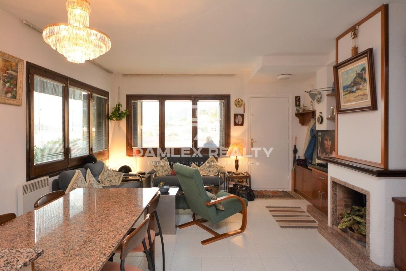 Semi-detached house with large terraces and view over the town of Tossa de Mar
