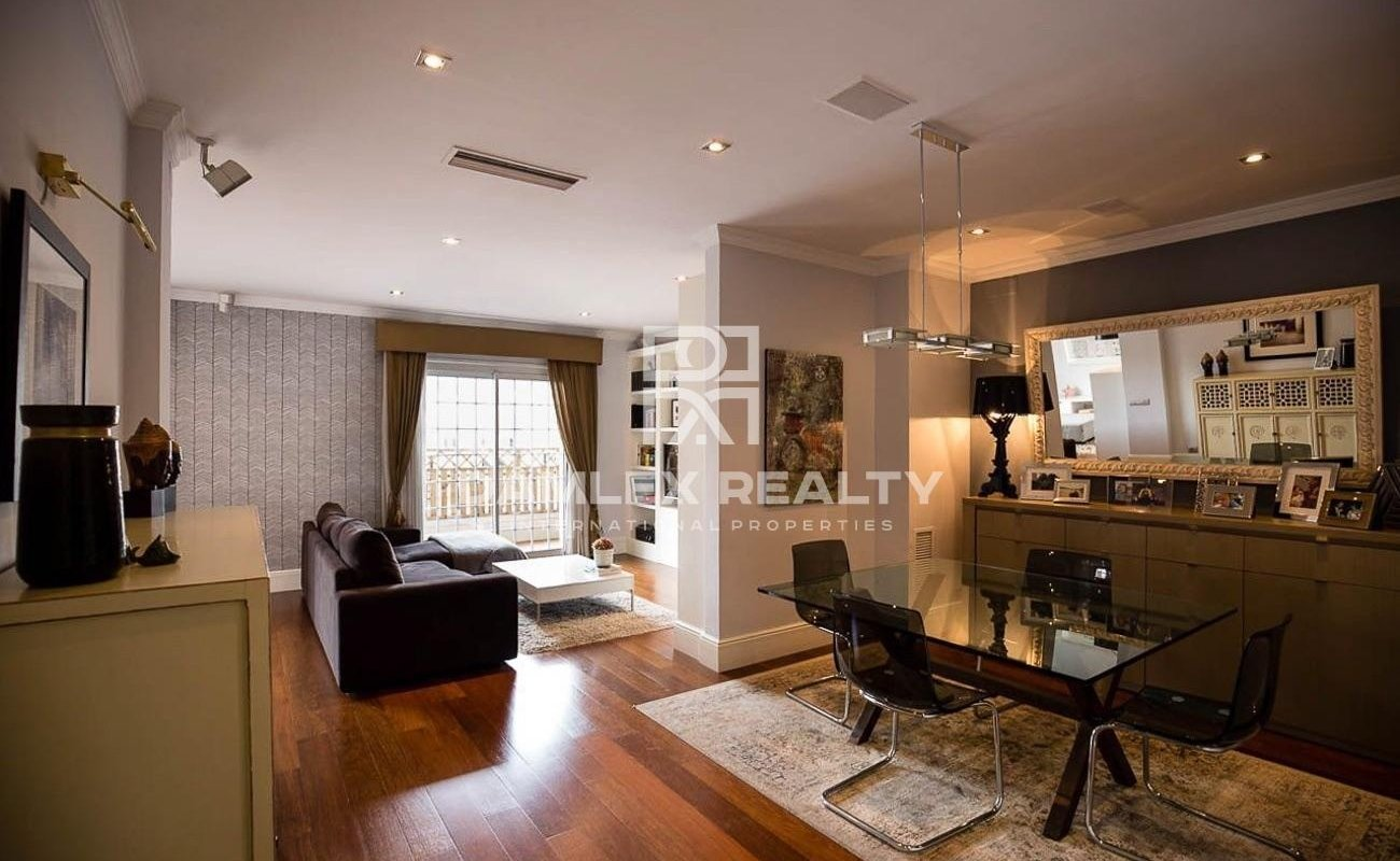 Apartment in good condition 10 minutes from Paseo de Gracia