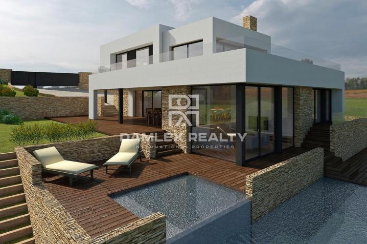 Stunning new villa with sea views