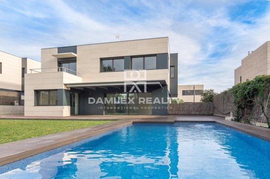 New villas in Sant Andreu de Llavaneras