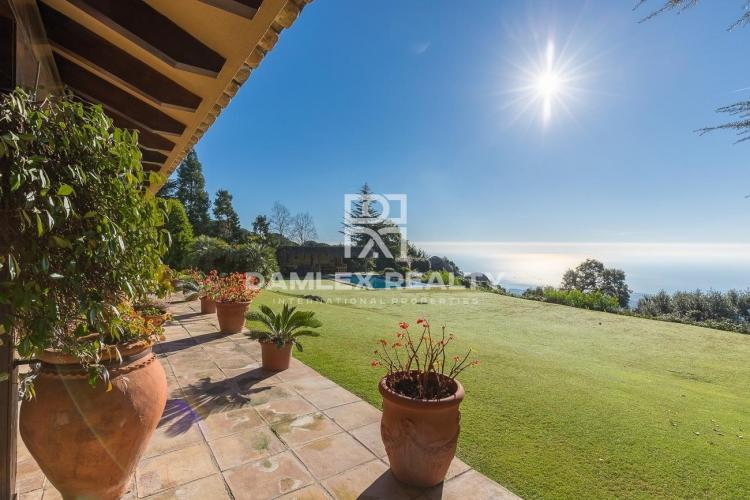 Villa with sea views in the Supermaresme.
