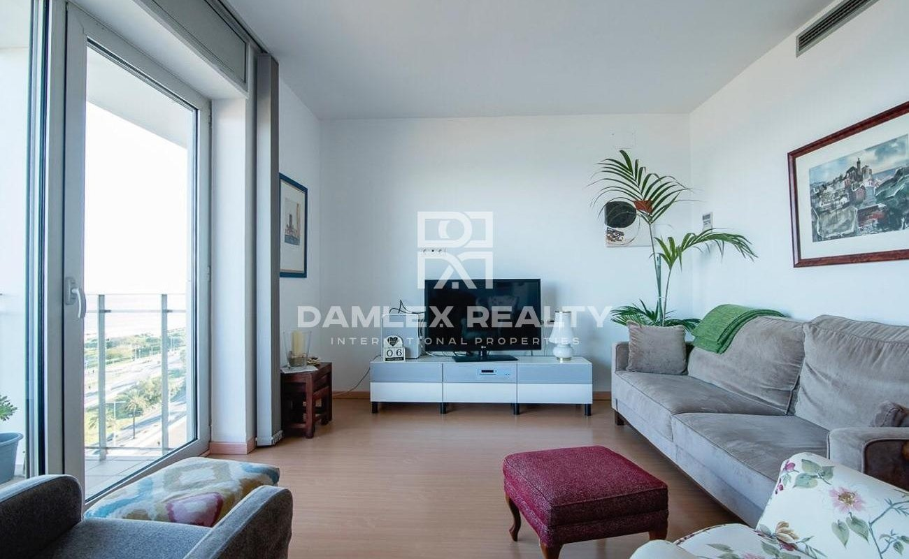 Duplex on the seafront in Barcelona with fantastic views.