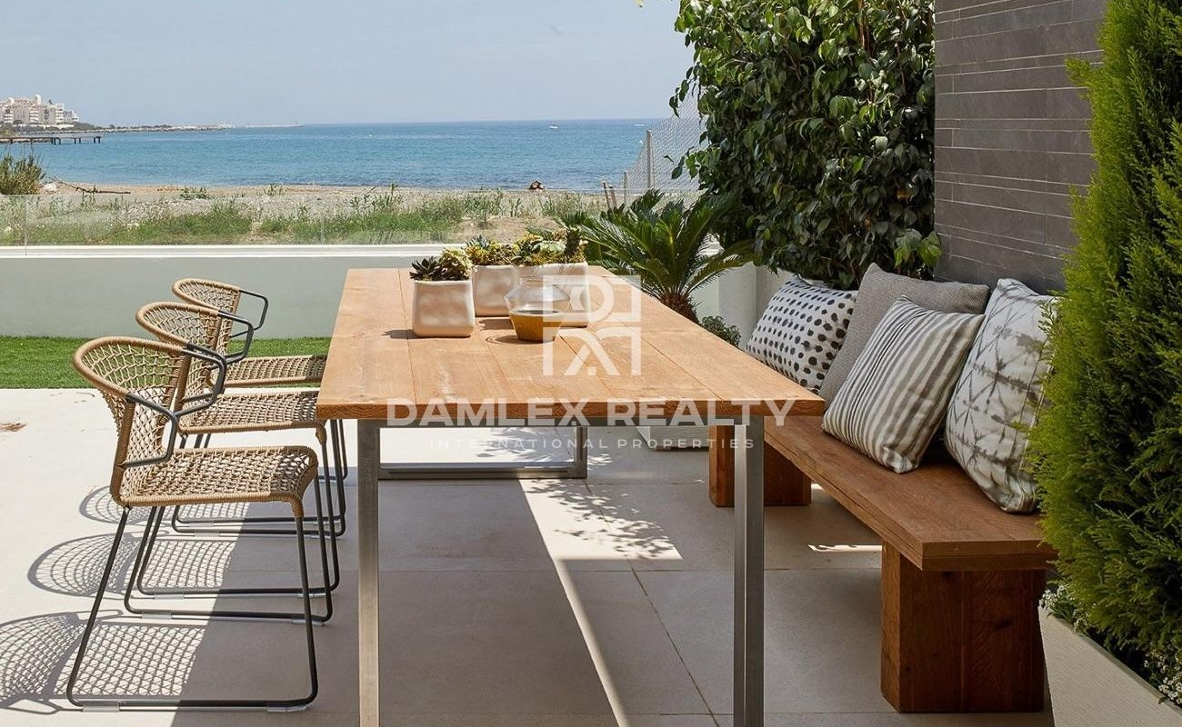 Frontline Beach Townhouse for sale in The Island