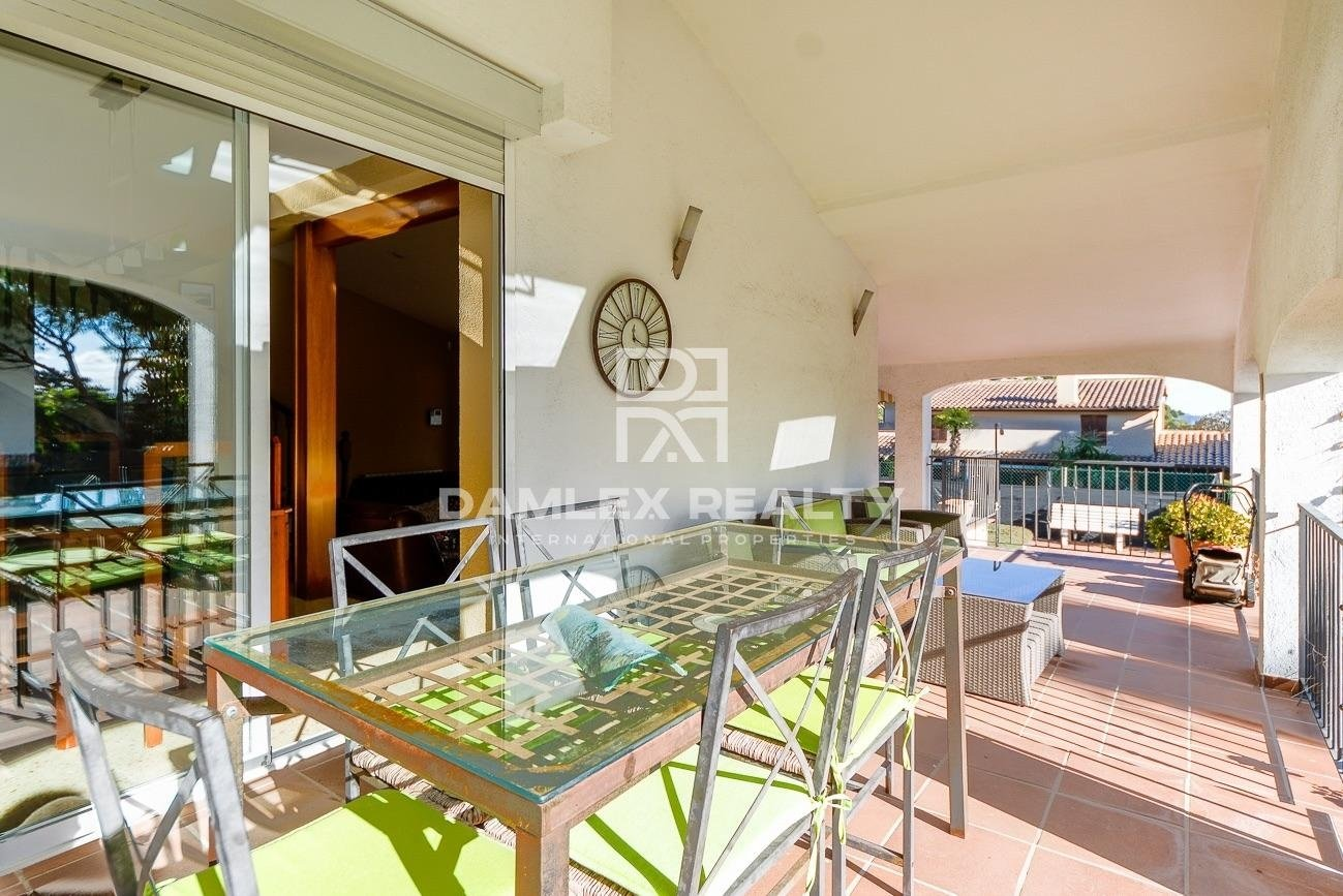 Beautiful villa with tourist license in an urbanization of high standing