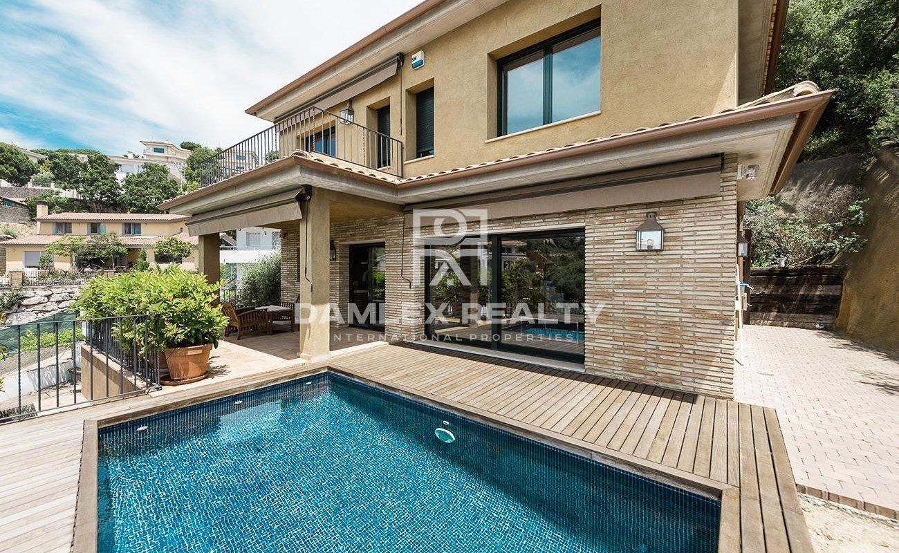 Modern house with beautiful seaviews