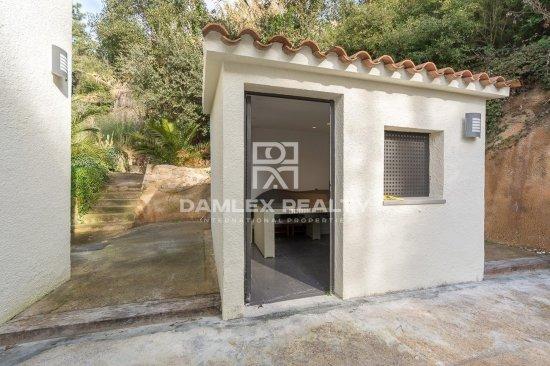 Renovated villa with touristic license