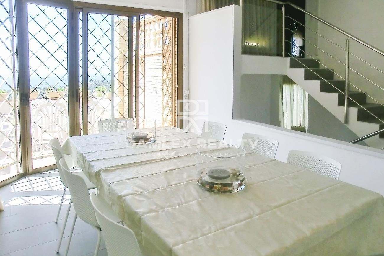 Large villa with sea views and turistic license