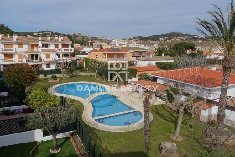 Apartment with beautiful views in the city of S`Agaró.