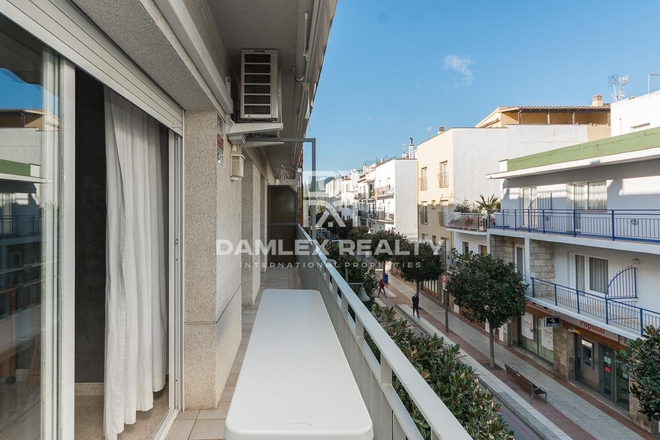 Bright apartment 300m from the beach with touristic licence
