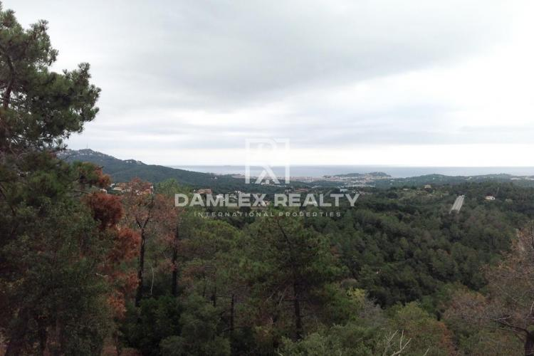 Plot with sea view in Lloret Blau urbanization