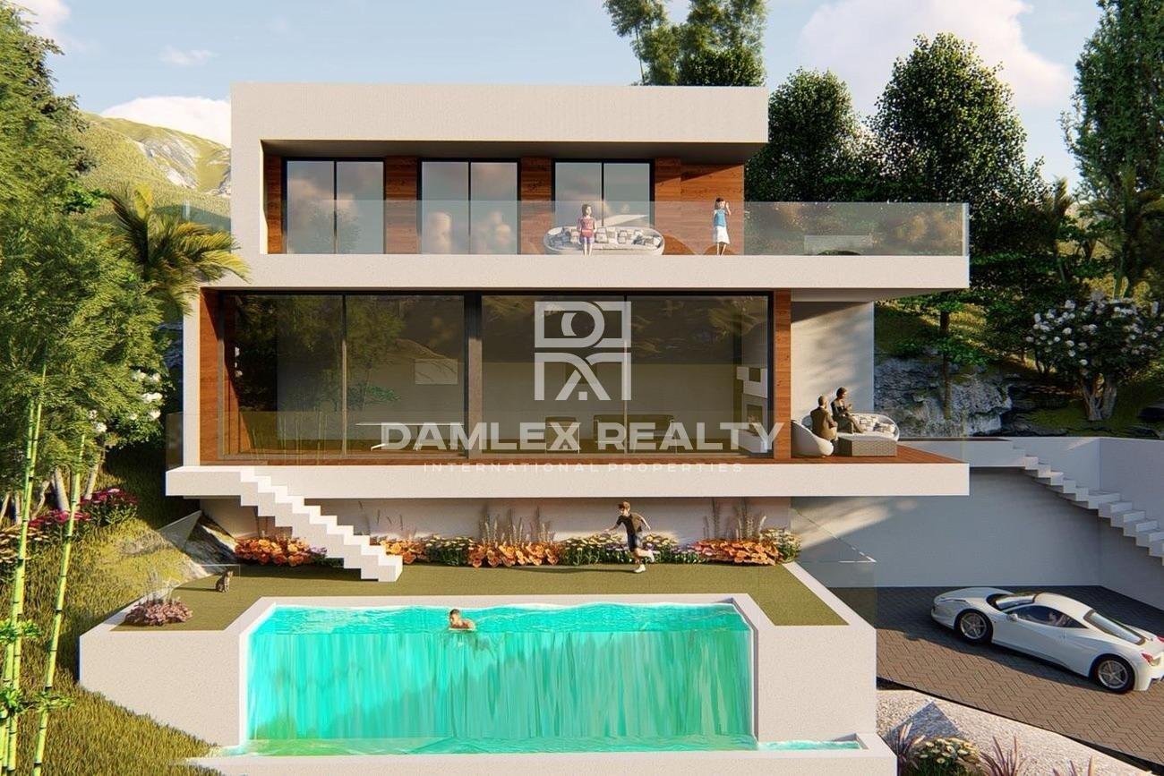 New modern style villa in Lloret de Mar with sea views