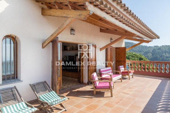House with panoramic views of the sea in Lloret de Mar