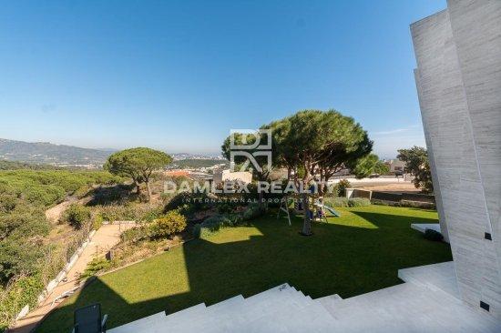 Exceptional villa on the heights of San Feliu de Guixols
