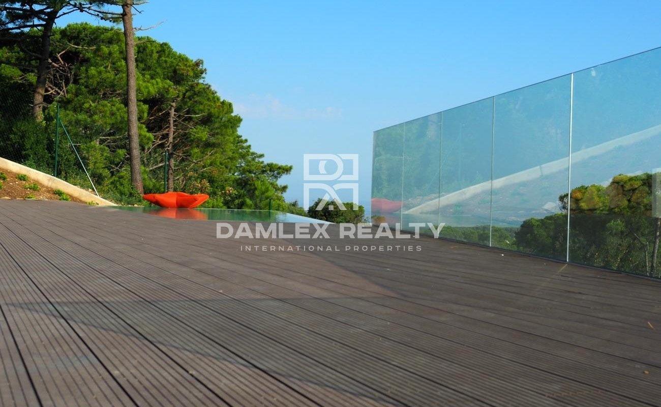 Ultramodern villa with stunning sea views, Costa Brava