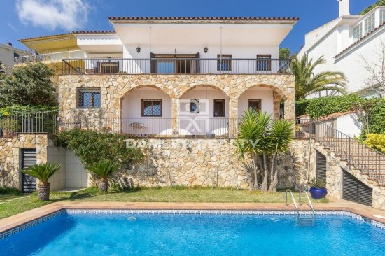 Villa with stunning sea views from all rooms.