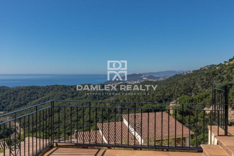 Large house on a large plot with Sea and Mountain views.