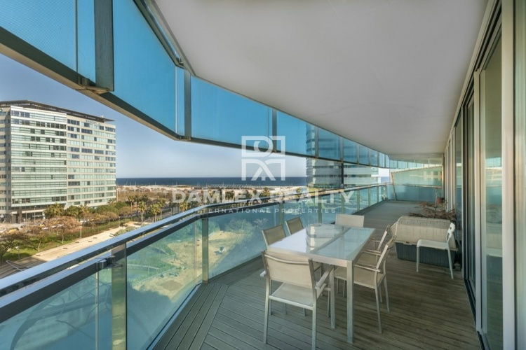Apartment on the seafront in Diagonal Mar. Barcelona