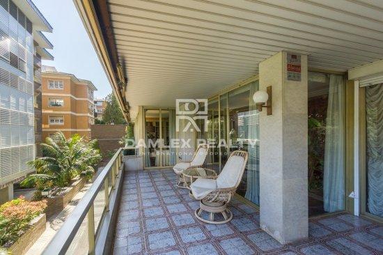 250 meters floor in prestigious and quiet area of Barcelona