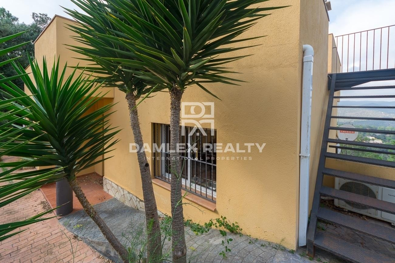 House with mountain views in Lloret de Mar