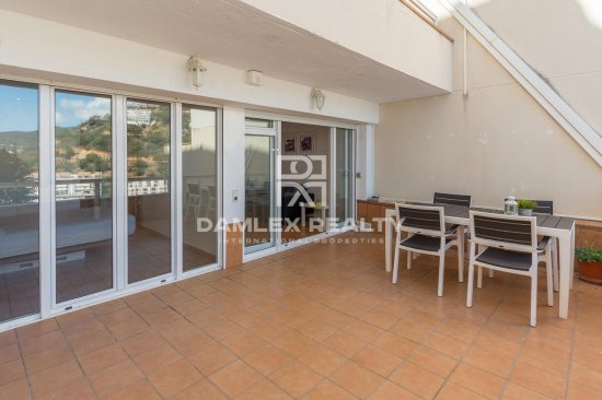 Renovated apartment in private area of Cala Salions