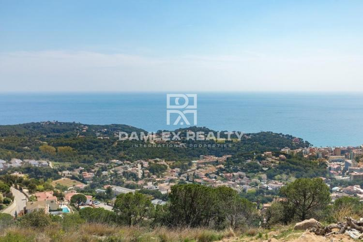 For sale 2 plots of land with panoramic sea views, for the construction of individual villas