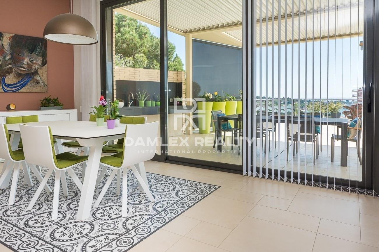 Beautiful contemporary house just steps from the beach Sant Pol