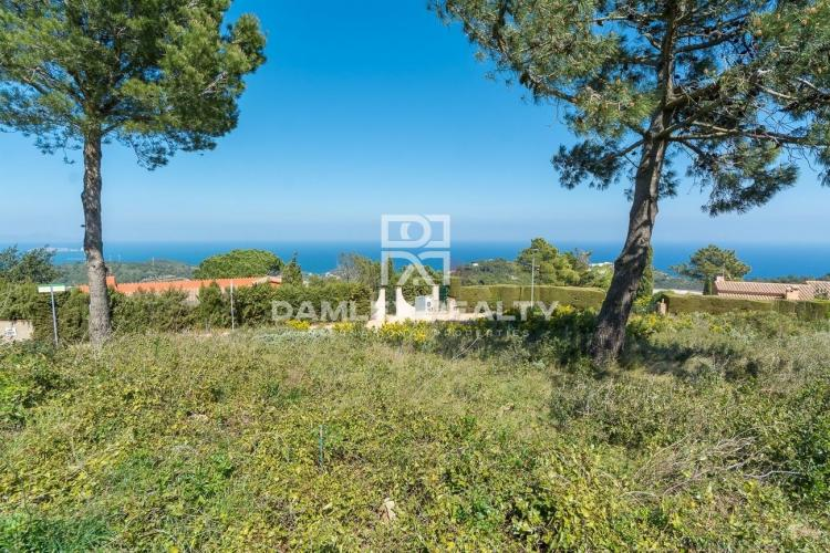 Flat plot panoramic sea view in Begur