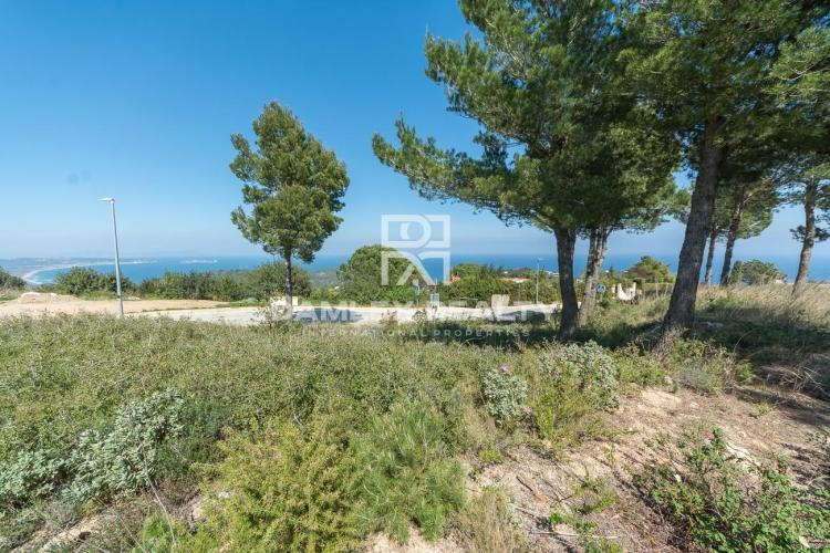 Flat plot with sea view in Begur