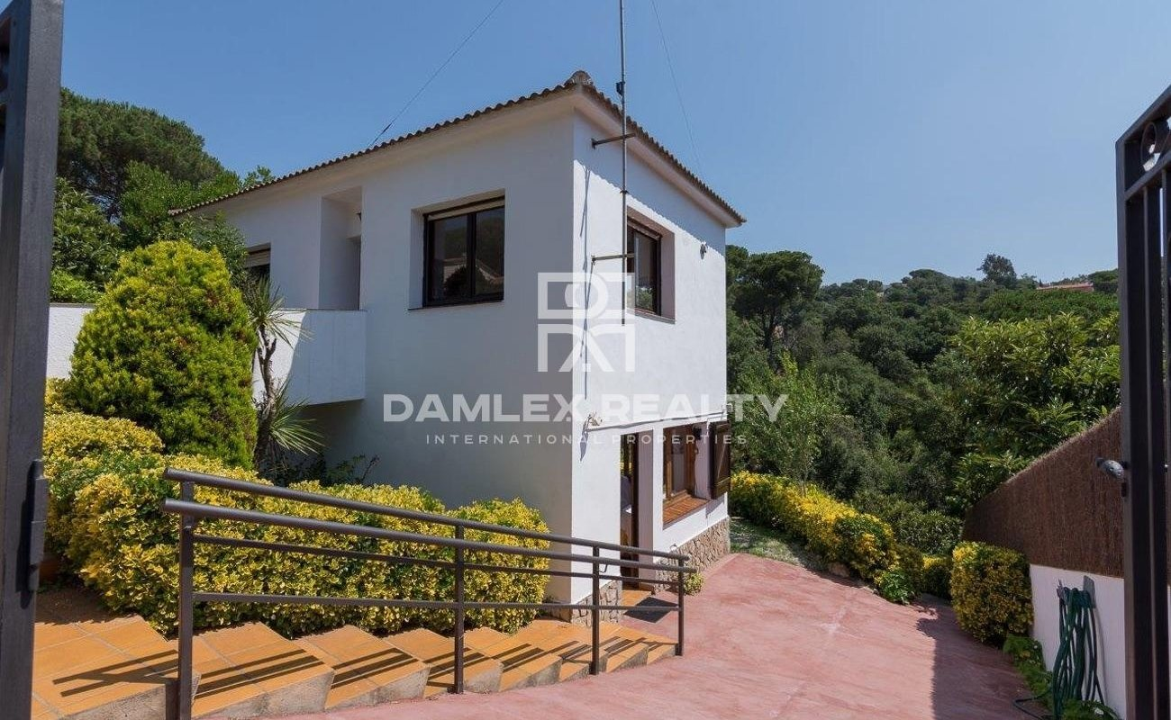 Two floors house with tourist license in the Lloret de Mar Urbanizations