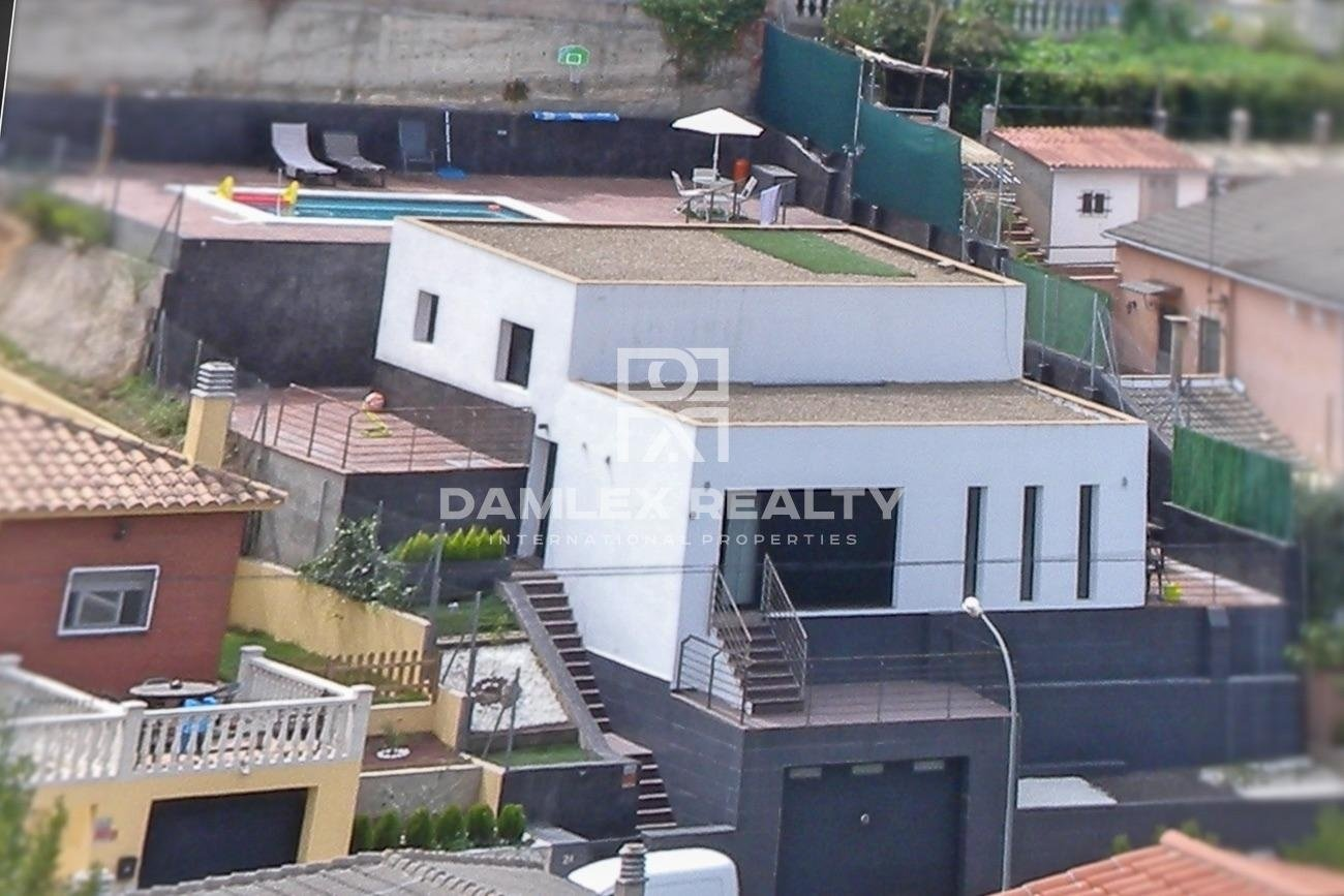 Modern style house with tourist license.