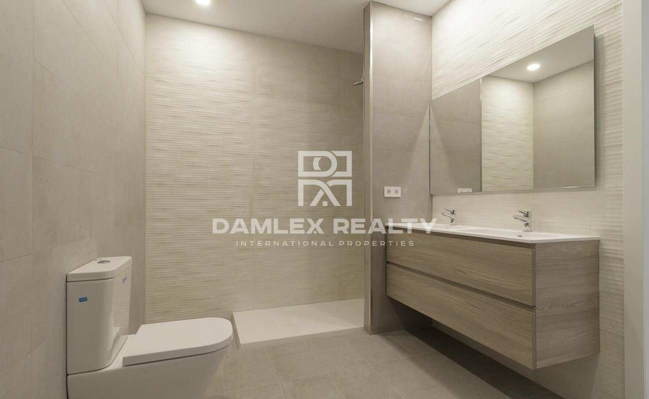 Apartment with 4 rooms, for sale in Zona Alta, Barcelona