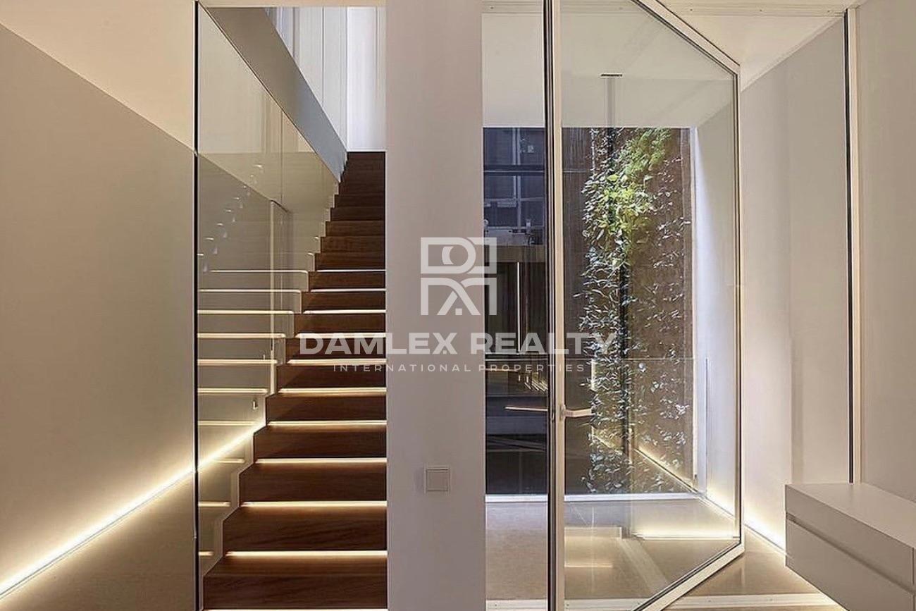 Luxury arquitect-designed house with panoramic sea views