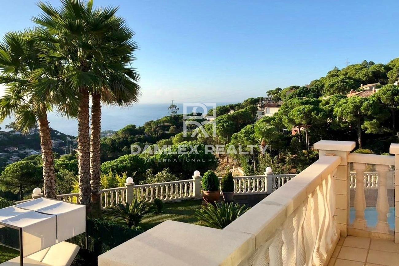House in Lloret de Mar with sea views.