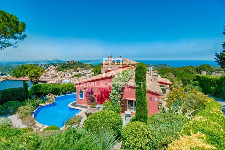 Cozy villa with splendid sea views in Begur