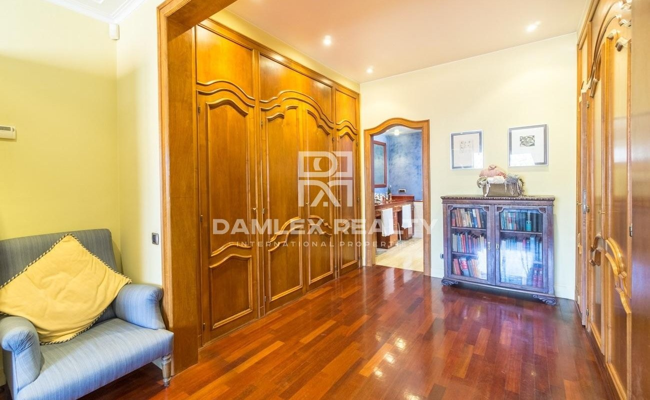 Magnificent penthouse of 376 m2 in one of the best areas of Barcelona.