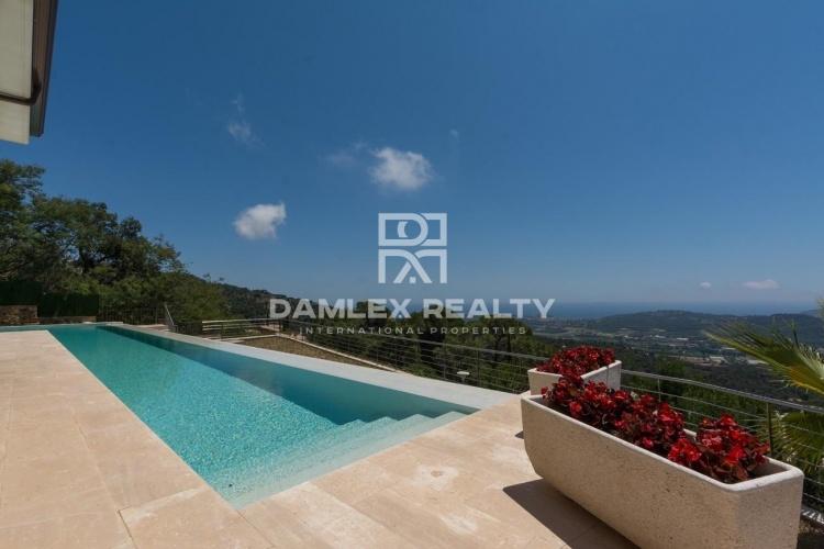 Prestigious villa with panoramic view of the Mediterranean Sea