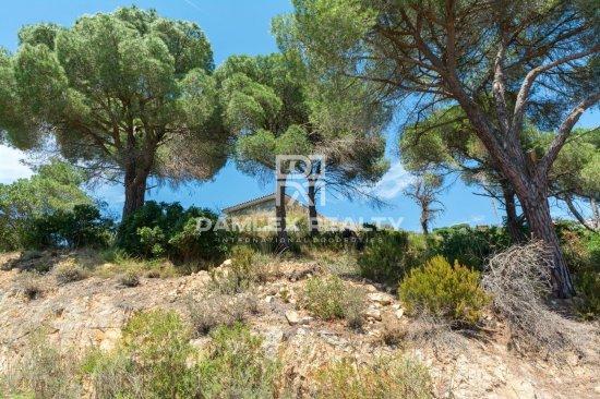 Prestigious single-storey villa with panoramic view of the sea
